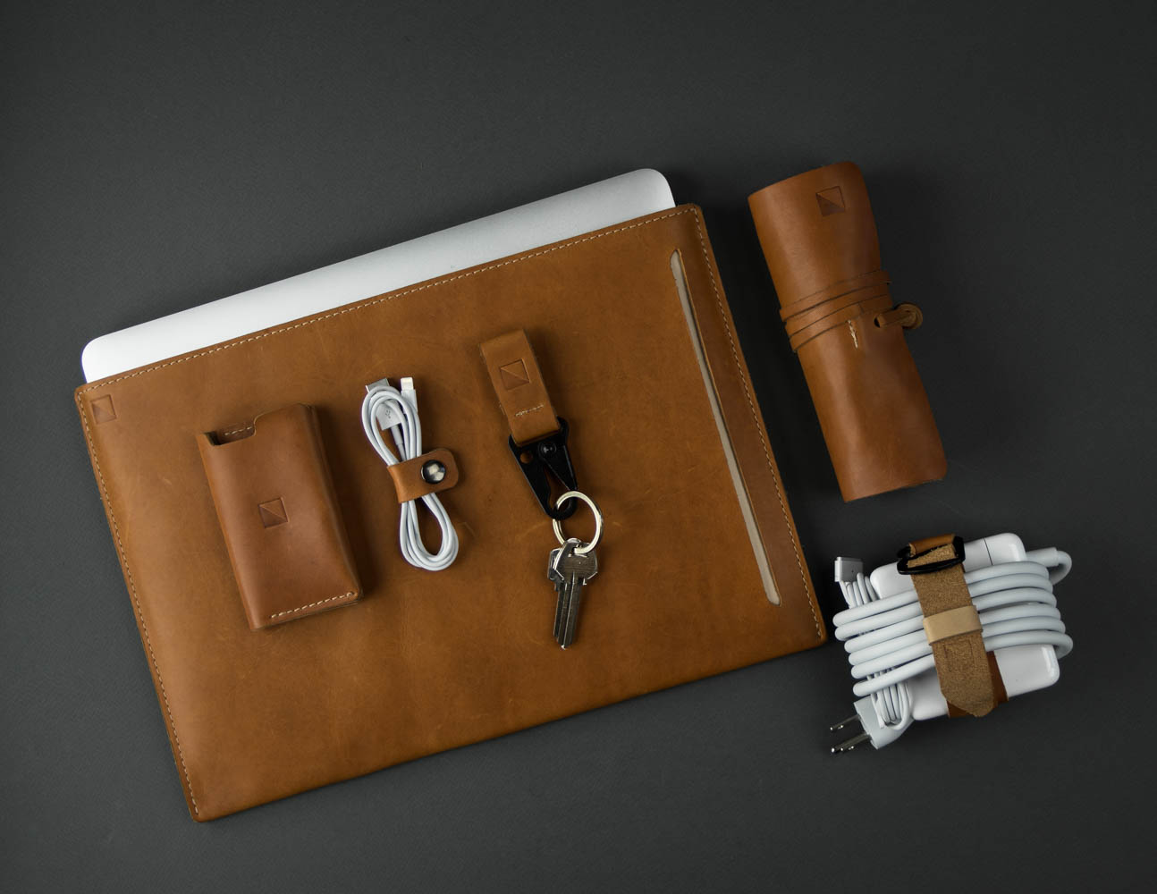 leather accessories employee gifts